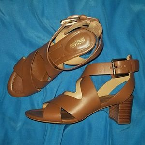 EUC Michael Kors Brown Leather Sandals
